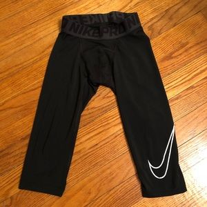NIKE PRO 3/4 length compression tights boys small